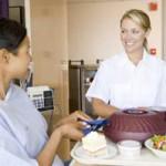 Auxiliaire de vie voulant devenir aide-soignante : comment procéder?